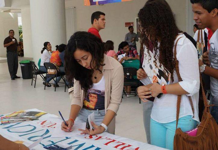 Se extendió la invitación a estudiantes, egresados y público en general a participar en la feria. (Redacción/SIPSE)