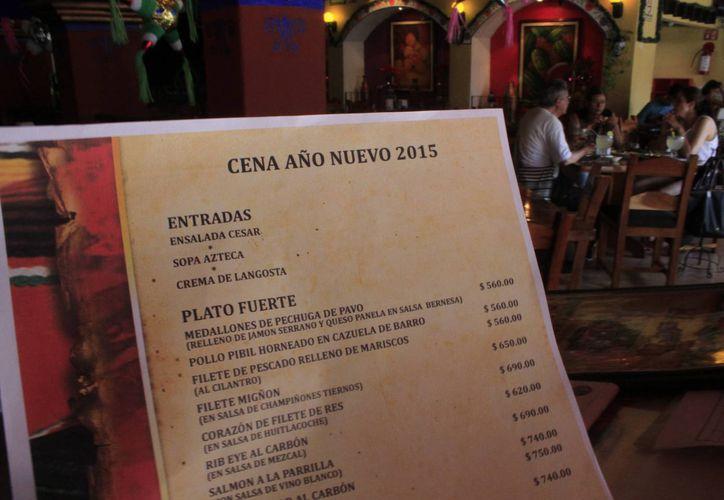 Los restaurantes ofrecen paquetes para este fin de año. (Sergio Orozco/SIPSE)