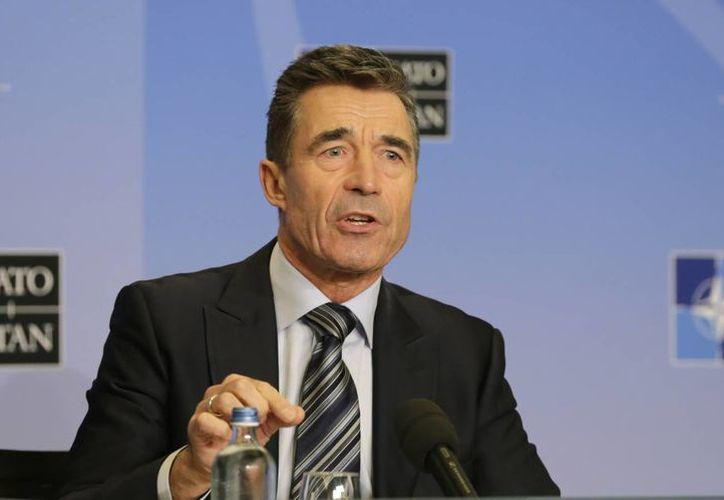 El secretario general de la OTAN, Anders Fogh Rasmussen, habla a la prensa en una cumbre de la alianza en Bruselas. (Agencias)