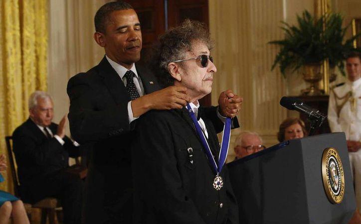 En 2012, Obama otorgó a Dylan la Medalla de la Libertad en una ceremonia realizada en la Casa Blanca. (EFE)