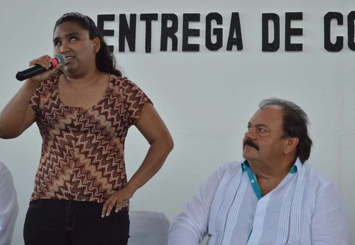 Es licenciada en educación especial y ha traducido cuentos al sistema braille. (Redacción/SIPSE)