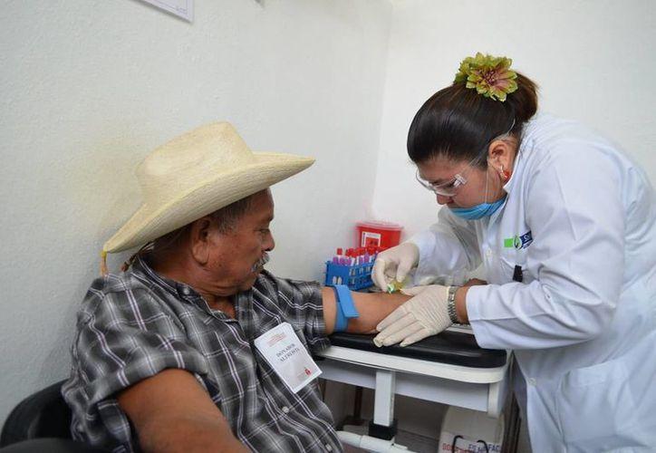 El sector salud trabaja en la infraestructura necesaria para atender los casos de diabetes. (Harold Alcocer/SIPSE)