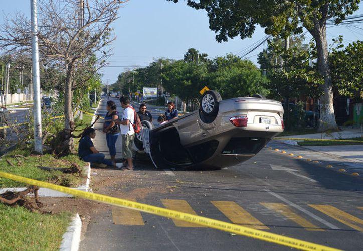 El vehículo accidentado. (SIPSE)