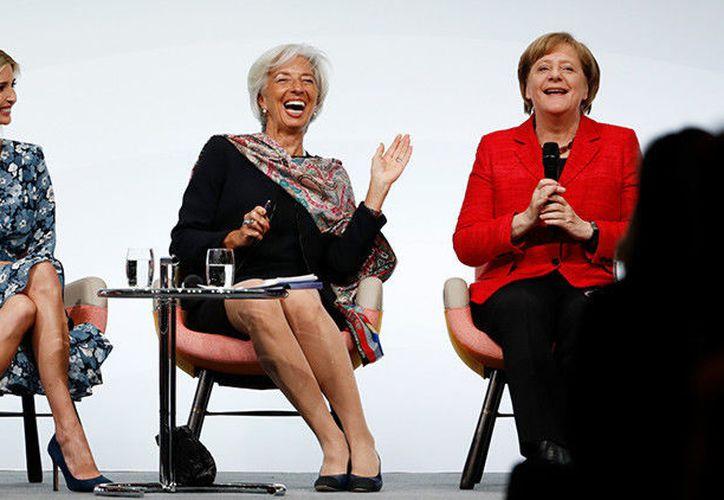 En el evento participó la canciller alemana, Angela Merkel; la directora del Fondo Monetario Internacional (FMI), Christine Lagarde, y la reina Máxima Zorreguieta de Países Bajos. (Captura Youtube).