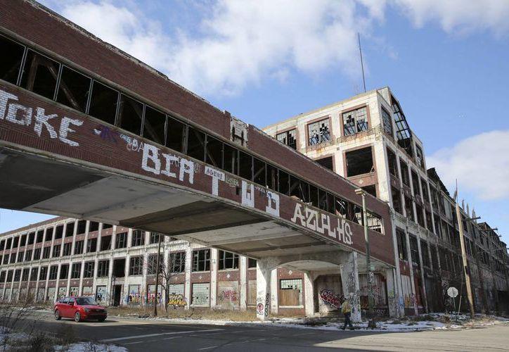 Foto de archivo del 3 de marzo de 2013 de una planta de Packard Automotive abandonada en Detroit, Michigan, EU. (EFE/archivo)