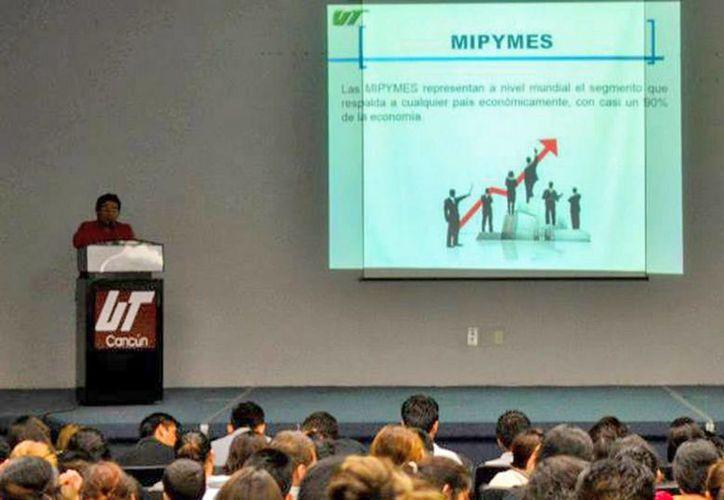 Para los alumnos fue una experiencia enriquecedora al tener la oportunidad de conocer acerca de la organización de eventos. (Redacción/SIPSE)