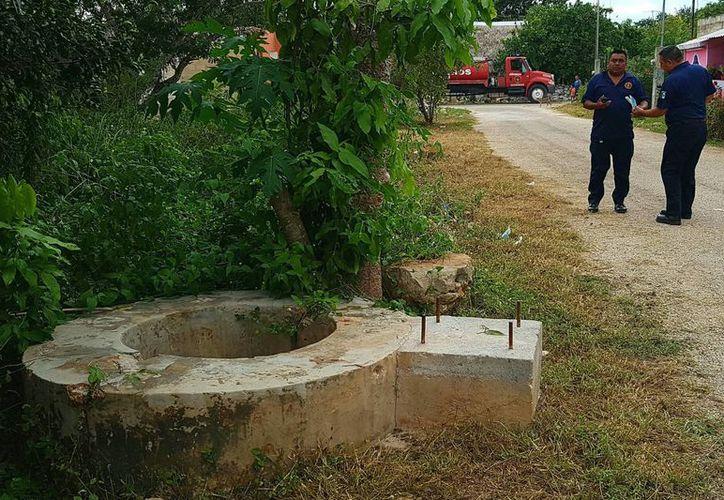 Afortunadamente Don Ireneo fue rescatado del fondo de un pozo, con profundidad de cuatro metros, sin heridas que lamentar. Imagen del lugar donde el anciano sufrió el accidente. (Milenio Novedades)