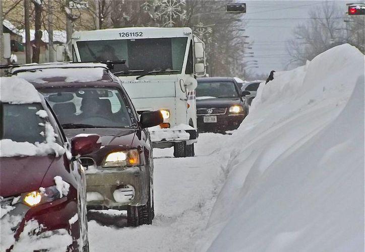 En Canadá han muerto cinco personas por percances automovilísticos causados por la tormenta. (Agencias)