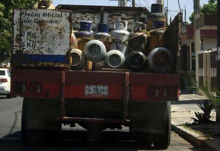 En Yucatán, el precio varía en promedio entre 10 y 15 pesos dependiendo del tanque, de la zona de consumo y de la empresa que lo surta. (SIPSE)
