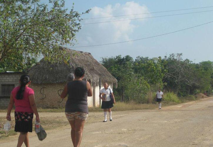 Con un avance de 40%, la meta del Hospital Comunitario de Bacalar es que mil mujeres del municipio se realicen exámenes de detección de cáncer de mama, por lo que motivan la participación en la zona rural. (Javier Ortiz/SIPSE)