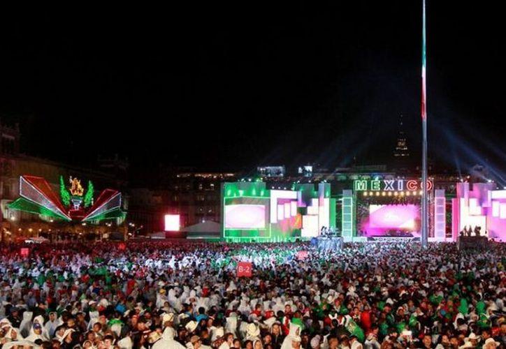 Tras la ceremonia oficial,  se lleva a cabo una fiesta popular en la Plaza de la Constitución. (Internet)