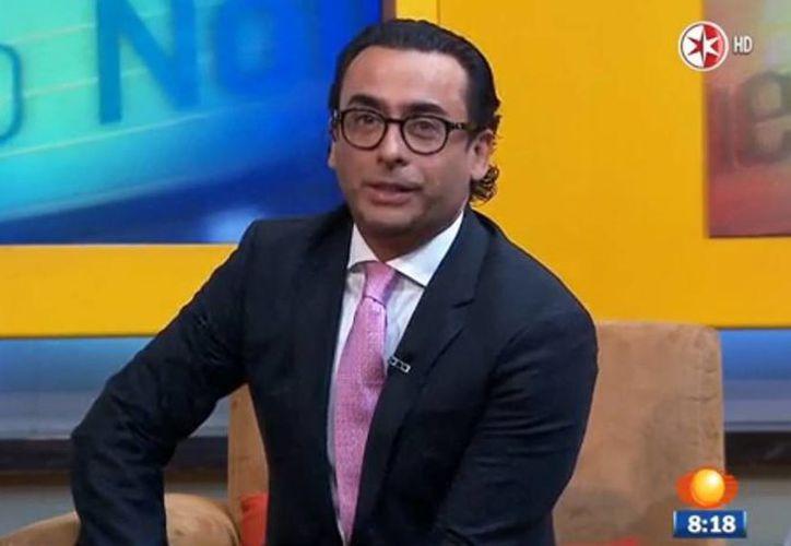 Imagen de la entrevista de Adal Ramones para Primero Noticias con Carlos Loret de Mola hoy miércoles por la mañana. (noticieros.televisa.com)