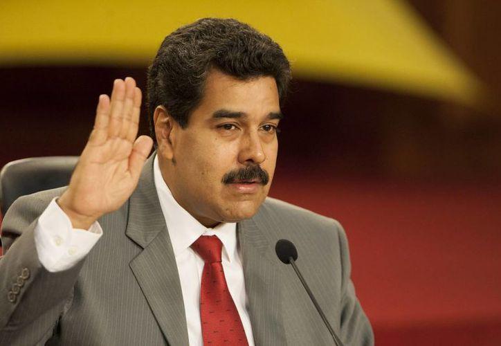 El presidente de Venezuela, Nicolás Maduro, durante una rueda de prensa con medios nacionales e internacionales en el Palacio de Miraflores en Caracas, Venezuela. (EFE)