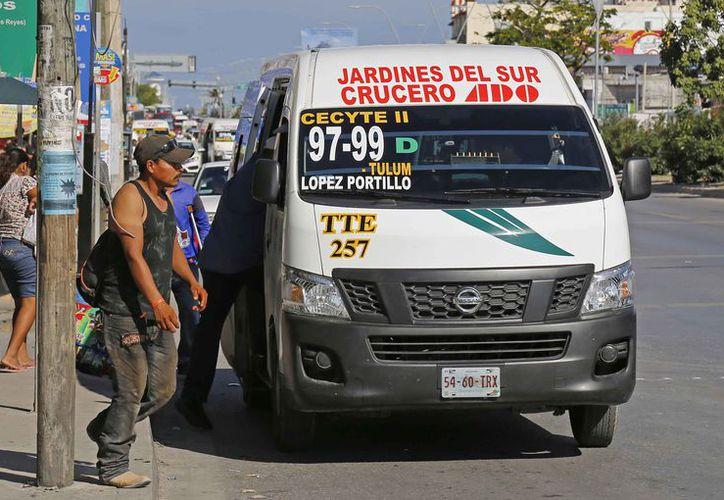 Exigen al transporte público cumpla con la ley o reglamento. (Jesús Tijerina/SIPSE)