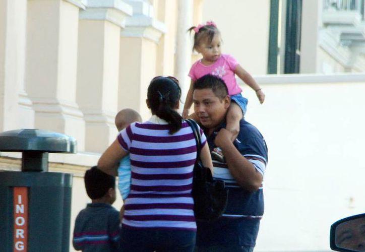 Buscan que las nuevas generaciones fortalezcan la institución familiar. (José Acosta/Milenio Novedades)