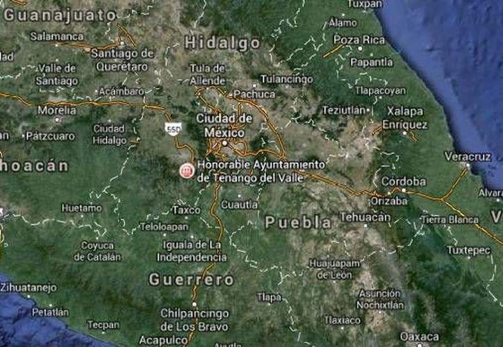 Policías rescataron a rehenes en el negocio Xoly, ubicado en el centro del municipio de Tenango del Valle, después de varias horas. (Google Maps)