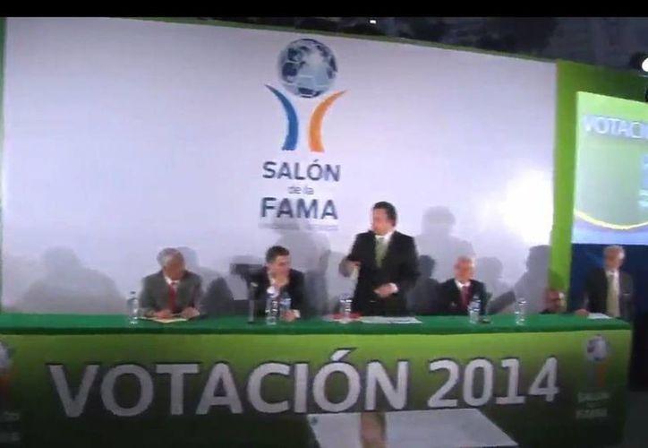 Otros de los personajes que se integrarán al Salón de la Fama del futbol soccer en Pachuca son: Santiago Bernabéu y Nemesio Díez. (Captura de pantalla de mediotiempo.com)