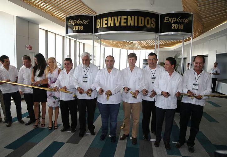 Inauguran la vigésima edición de la Exphotel en Cancún. (Israel Leal/SIPSE)