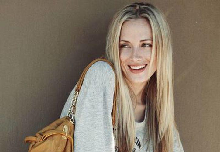 Reeva Steenkamp, en imagen de archivo, la modelo luchó contra la violencia hacía la mujer; hoy murió asesinada. (Agencias)