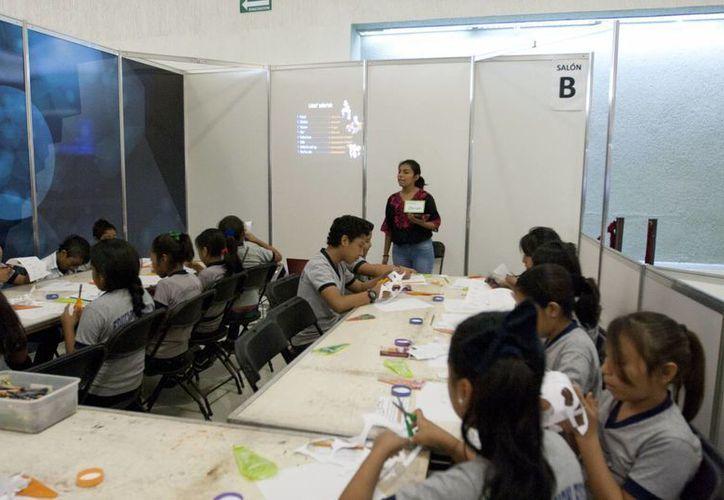 Personal de la UADY pretende que la enseñanza básica de la lengua maya a niños que se realiza en la Filey se aplique en otras instancias e instituciones. (SIPSE)