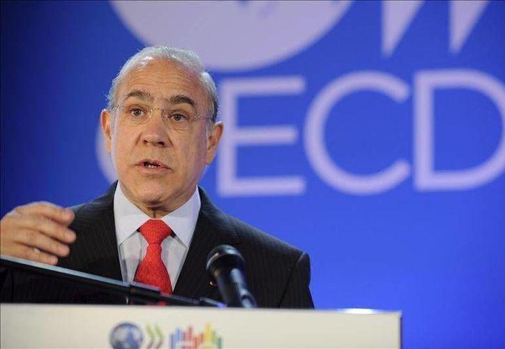 José Ángel Gurría aplaude los intentos de reforma hacendaria para captar más dinero a través del IVA. (Agencias/Archivo)