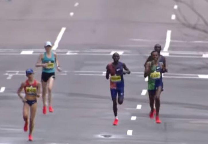 30 mil corredores participaron en la tradicional competencia. (Captura de pantalla)