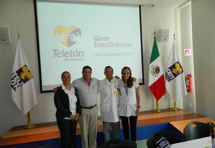 """En conferencia de prensa, los directivos del CRIT Cancún presentaron el concurso de documental corto """"Atrévete a ver"""", dirigido a estudiantes universitarios. (Tomás Álvarez/SIPSE)"""