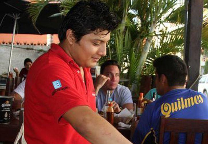 Con el curso se pretende que los meseros den recomendaciones a los clientes con el fin de cuidarlos. (Adrián Barreto/SIPSE)
