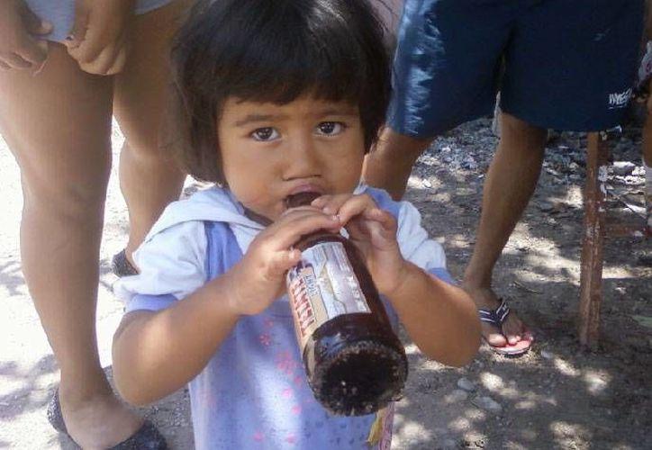 El consumo de alcohol daña el tejido cerebral, hepático y pancreático. (www.kaleydoscopio.mx/Archivo)