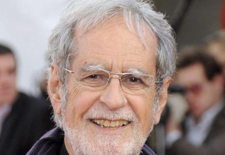 El director de cine francés Edouard Molinaro a su llegada a la 35 edición del festival de Cine en Deauville, en Francia, en 2009. (Archivo/EFE)