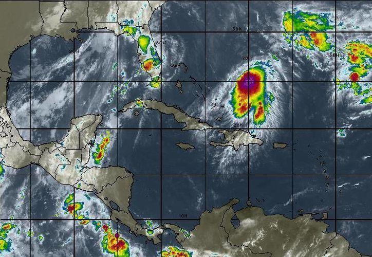El canal de baja presión presenta una probabilidad de 20% de evolucionar en un sistema tropical. (Redacción/SIPSE)