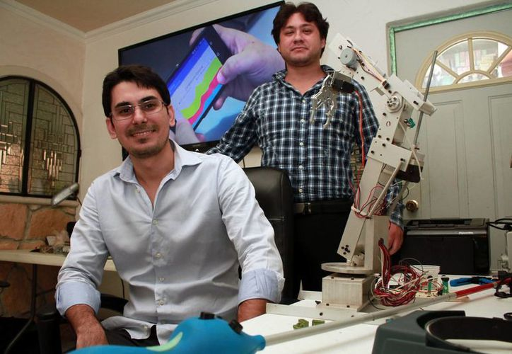 Jorge Humberto Salas Sánchez y Mauricio Villalobos Casares, viajaron a España como parte de la delegación yucateca que participará en el programa de Startup Madrid. (Milenio Novedades)