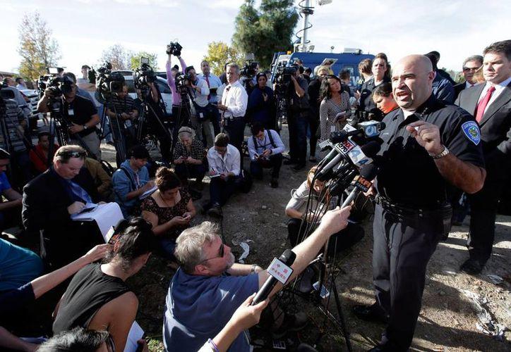 Jarrod Burguan, jefe de la Policía de San Bernardino, en conferencia de prensa cerca de donde ocurrió la matanza del miércoles, el jueves 3 de diciembre de 2015 en San Bernardino, California.  (Foto AP/Chris Carlson)