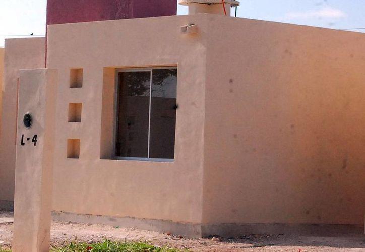 El IVEY firma convenio con Fonahpo para la ejecución del plan de vivienda. (Milenio Novedades)