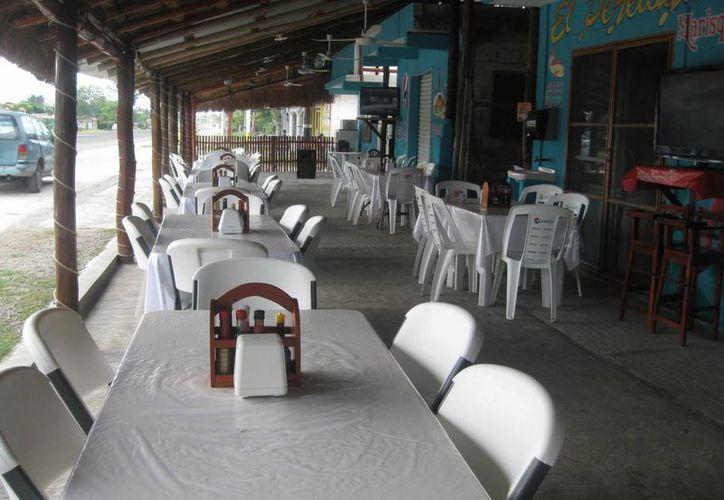 El turismo que llega al Pueblo Mágico de Bacalar, está conformado en un 80 por ciento de visitantes nacionales. (Javier Ortíz/SIPSE)