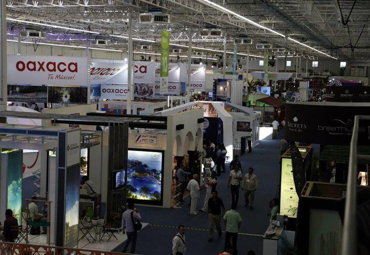 Los encuentros que se realizan en el Lakám Center, terminarán con más de 29 mil citas. (Israel Leal/SIPSE)