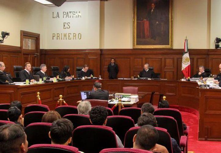 Jalisco se reduce el presupuesto que reciben las organizaciones políticas en elecciones locales. (Animal político).