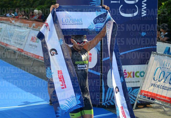 El segundo lugar se lo llevó el competidor Joaquín Pereda Charles. (Foto: Gustavo Villegas/SIPSE).