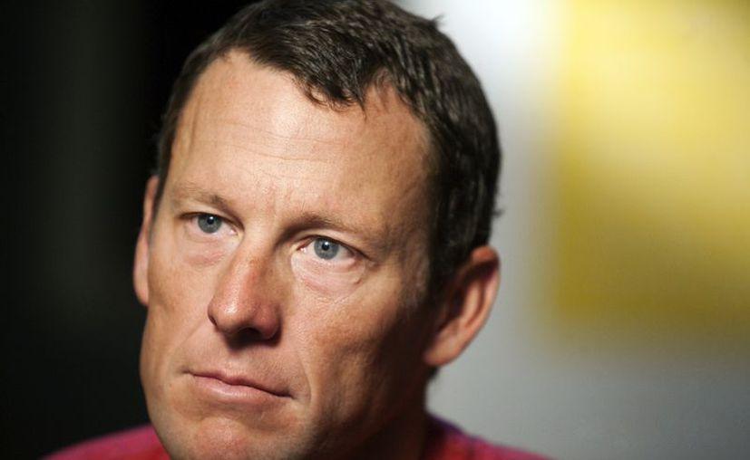 Lance Armstrong se recuperó de un cáncer testicular, pero después su carrera se vino abajo. (Agencias)