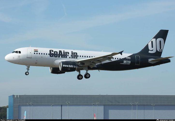 Los dueños de GoAir también han decidido que haya revistas más delgadas y menos agua en los aeroplanos. (planespotters.net/Archivo)