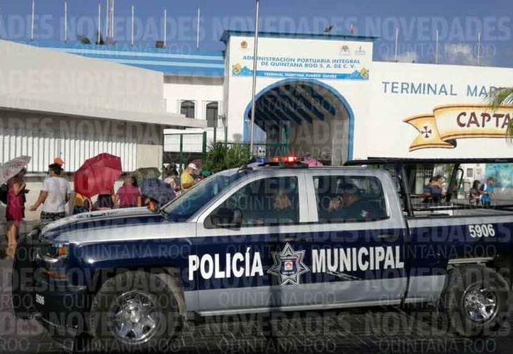 En la Terminal Marítima de Puerto Juárez se instaló una mega casilla. (Alejandro García/SIPSE)
