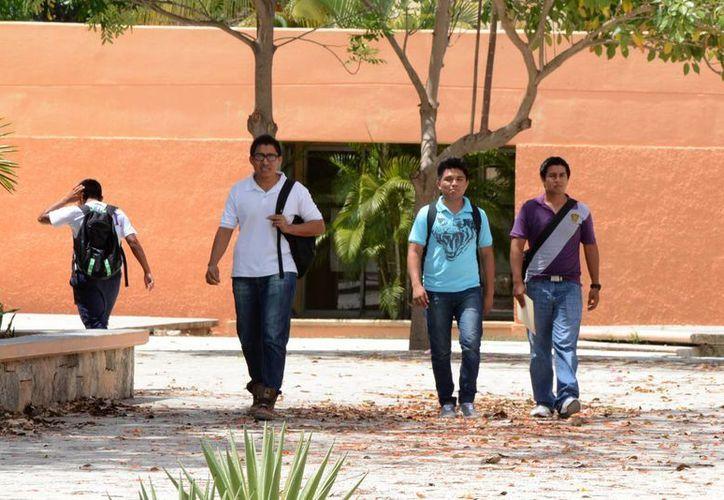 Hay tres universidades en Cancún que ofrecen la carrera de criminología a los estudiantes. (Victoria González/SIPSE)