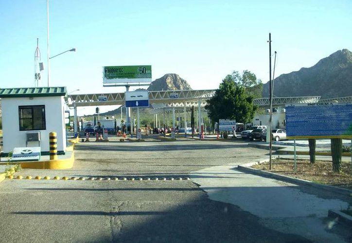 Se presentó el  el informe de gestión aduanera del Servicio de Administración Tributaria correspondiente al primer semestre de 2014. En la foto, Garita de San Emeterio, en Sonora. (Notimex/Foto de archivo)