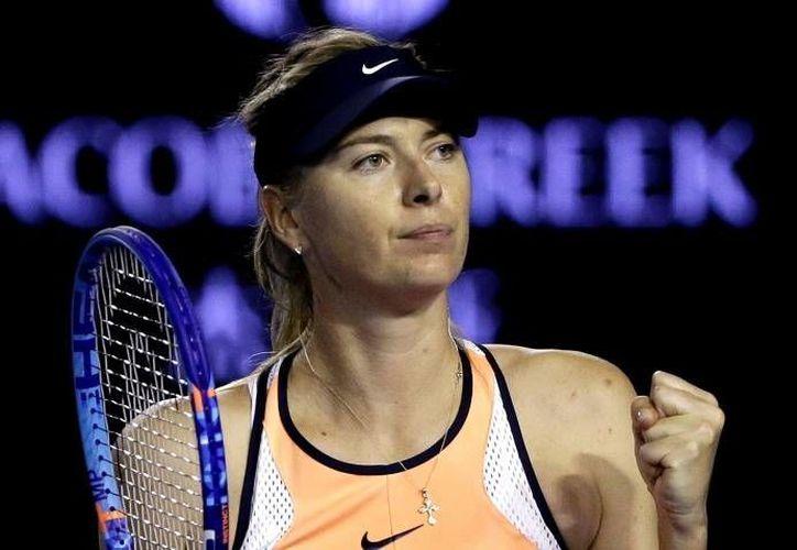 La tenista rusa Maria Sharapova volvió a hablar tras anunciar que dio positivo en un control antidopaje. 'Masha' agradeció a sus fans por sus mensajes de apoyo. (Archivo AP)