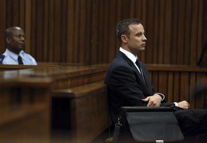 La nueva fecha de finalización del juicio contra Oscar Pistorius fue acordada por la Fiscalía, la defensa del atleta paralímpico y la propia juez. (EFE/Archivo)