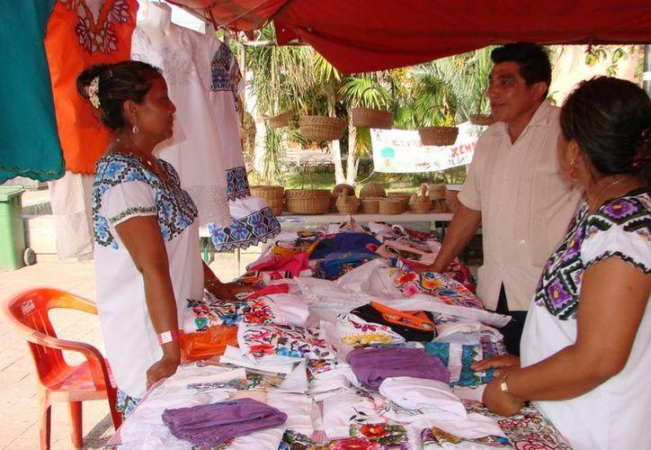 Artesanos de Carrillo Puerto buscan llegar de forma directa a las zonas turísticas de Majahual, Tulum, Riviera Maya y Cozumel. (Manuel Salazar/SIPSE)