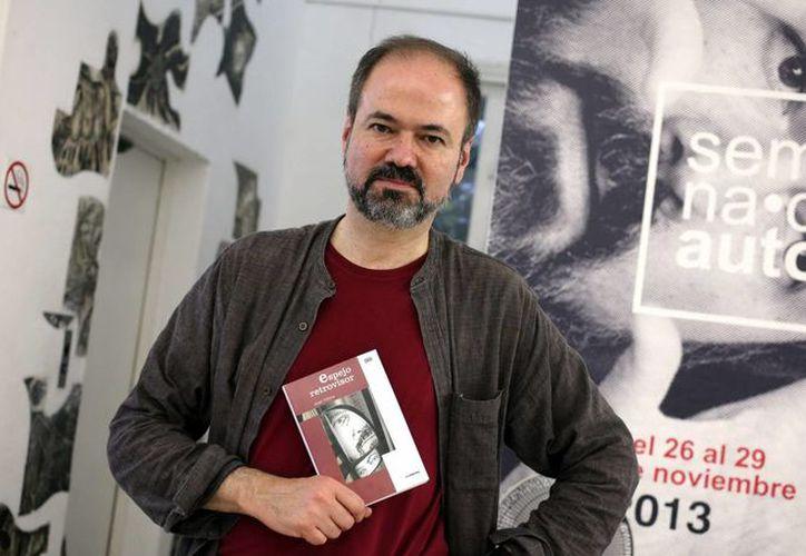 """El escritor y periodista Juan Villoro presentó su libro """"Espejo Retrovisor"""" en la Casa de las Américas de La Habana. (EFE)"""