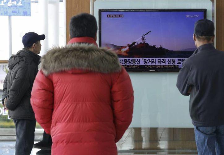 Las pruebas militares de Corea del Norte hicieron resugir la tensión con su vecino país del sur. (AP)
