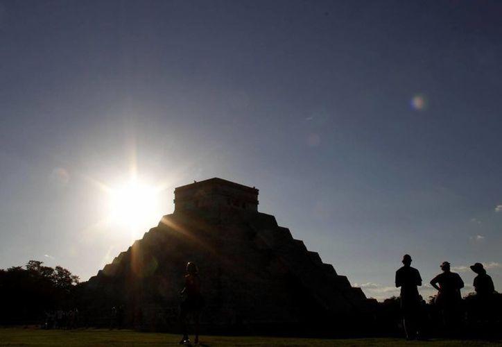 El Castillo, en Chichén Itzá, es uno de los edificios mayas que se quedarán sin sombra. (SIPSE)