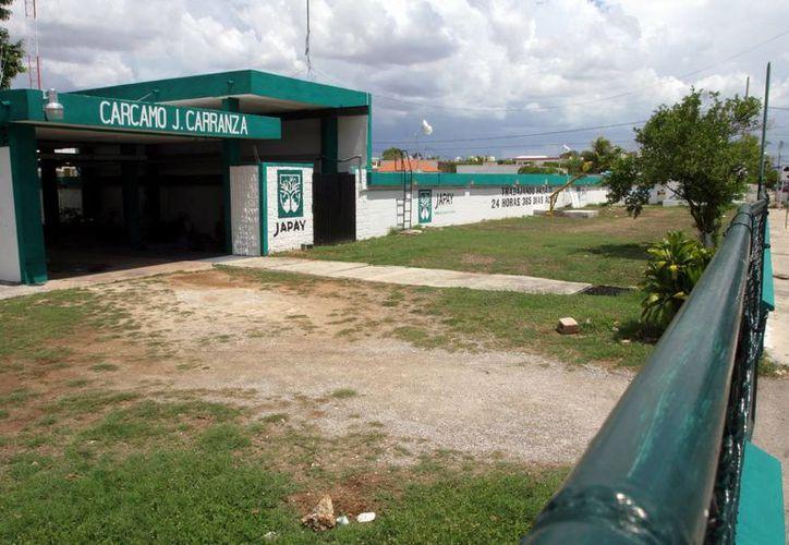 Come ejemplo, la Junta de Agua Potable y Alcantarillado de Yucatán tendrá una disminución de 130 millones 341 mil 54 pesos, que significan el 17.50 por ciento comparado a lo ejercido este año. (Archivo/ Milenio Novedades)